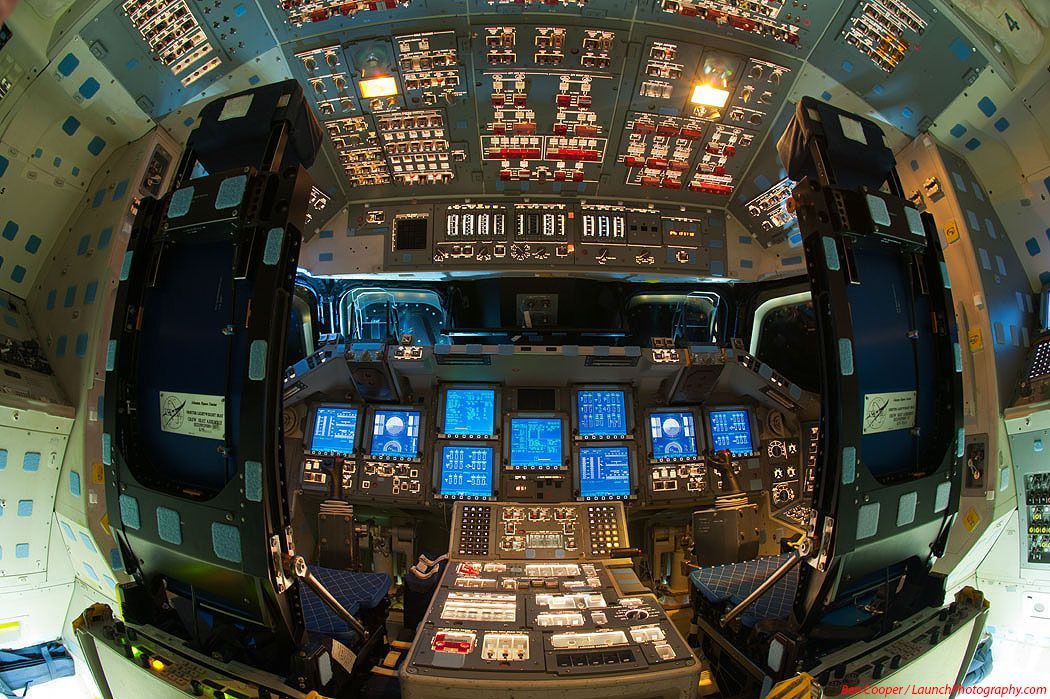 Photos du cockpit d'Endeavour