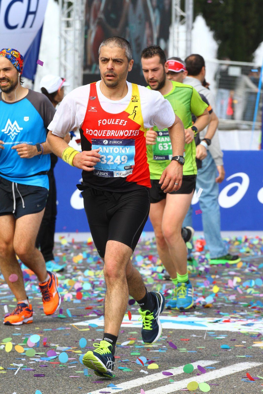 Antony sur semi marathon (en Italie en Février) puis à Barcelone au marathon (en mars) puis à Genève pour un second marathon (en mai). Quel régime !!!
