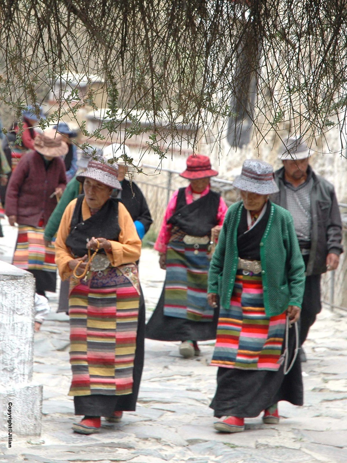 Tibet (2) : les hommes et les dieux - 西藏 (2) : 人与神