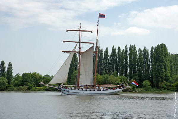 Armada de Rouen 2013 : Les voiliers remontent la Seine