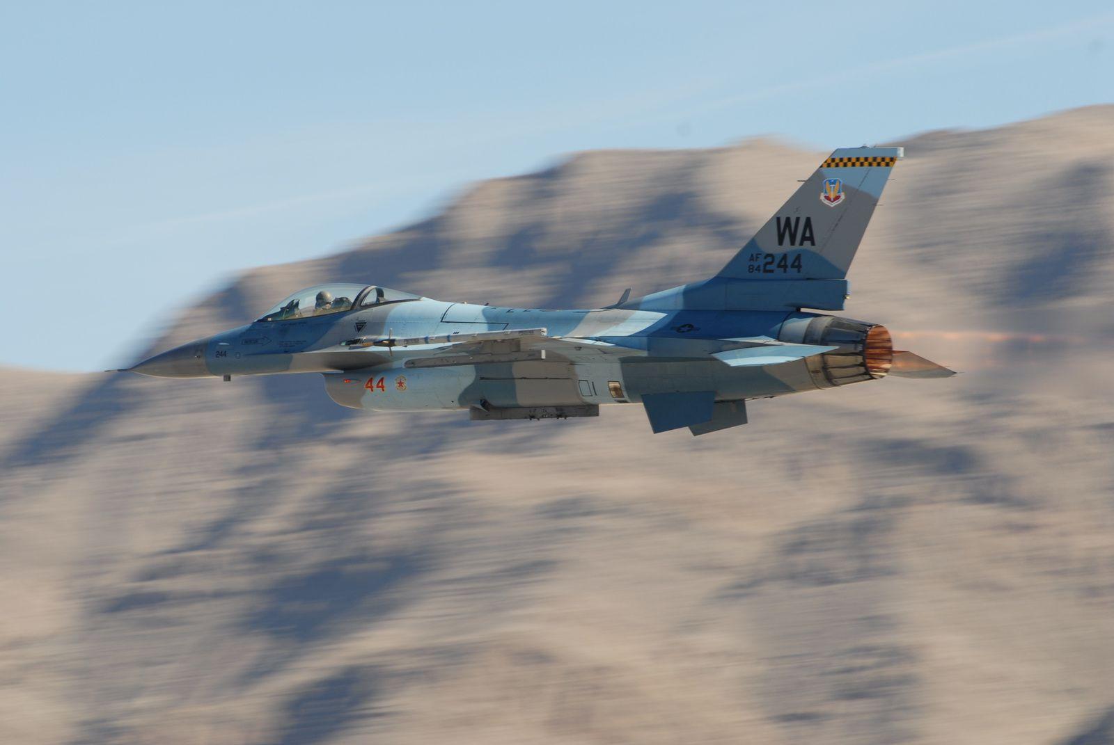 Les F-16C du 18th Aggressor Squadron devraient changer de base avec l'arrivée du F-35