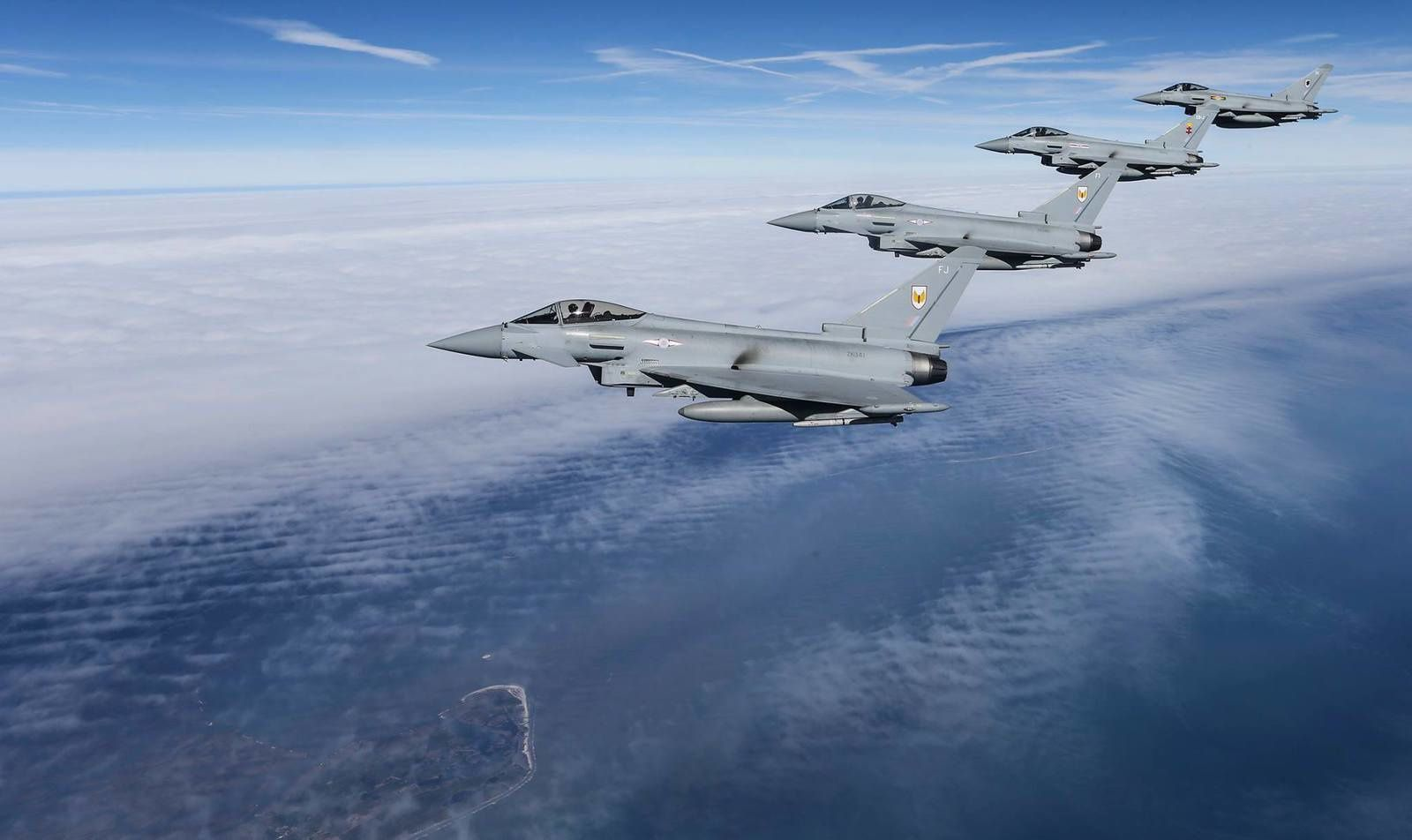 PHOTOS - Les Eurofighter Typhoon de la Royal Air Force se sont envolés pour l'exercice Red Flag