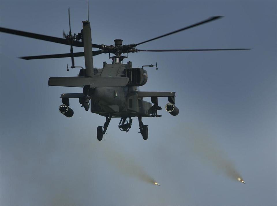 Les hélicoptères néerlandais AH-64D Apache ont effectué un raid contre un groupe armé au Mali