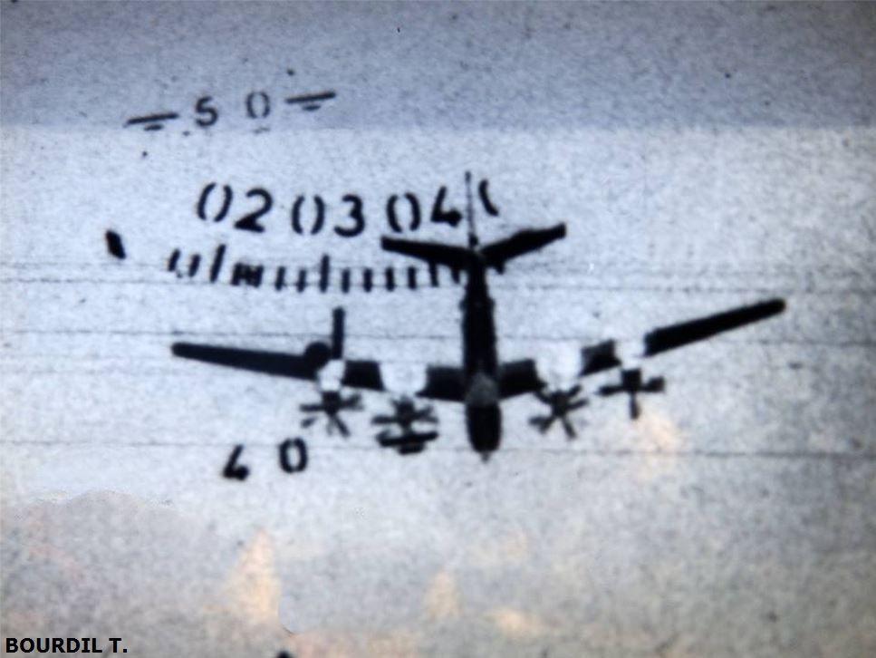 """Photo + vidéo : Une interception d'un Tu-95 """"Bear"""", à deux époques différentes"""