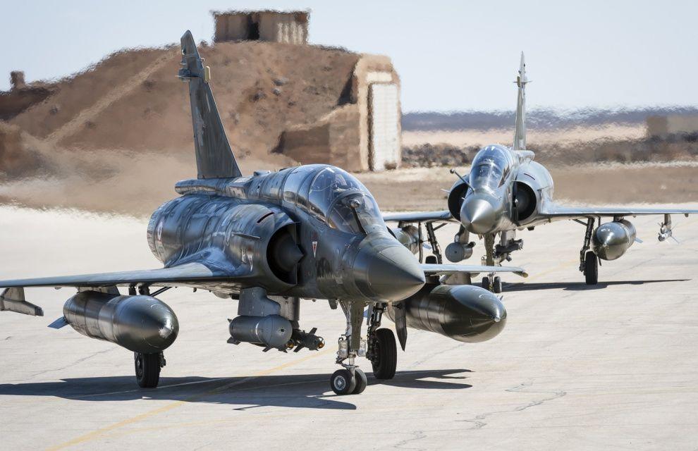 Des pilotes de chasse anglais participent aux opérations aériennes françaises, et inversement