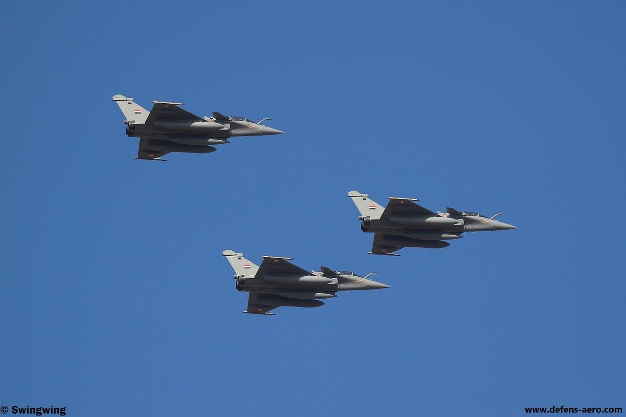PHOTO - Trois Rafale DM égyptiens en formation