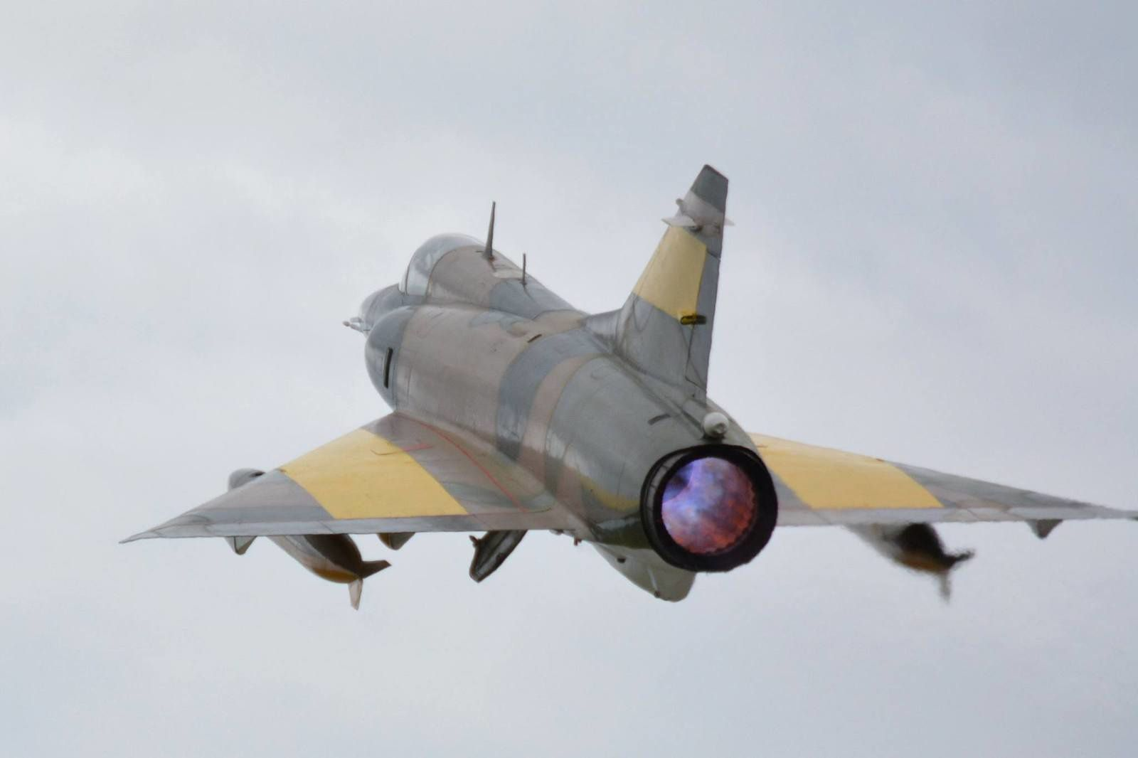 Post-combustion pour ce Mirage 5.