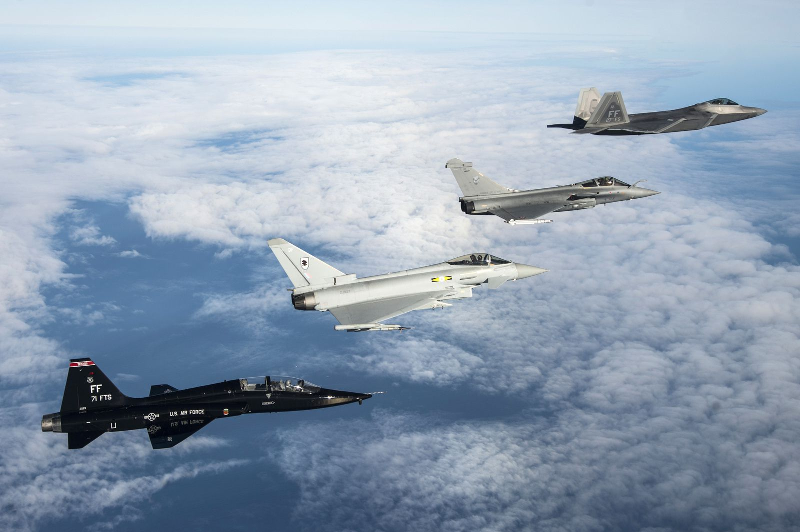 PHOTOS - Les aviateurs et les aéronefs engagés dans l'exercice Tactical Initiative Exercise