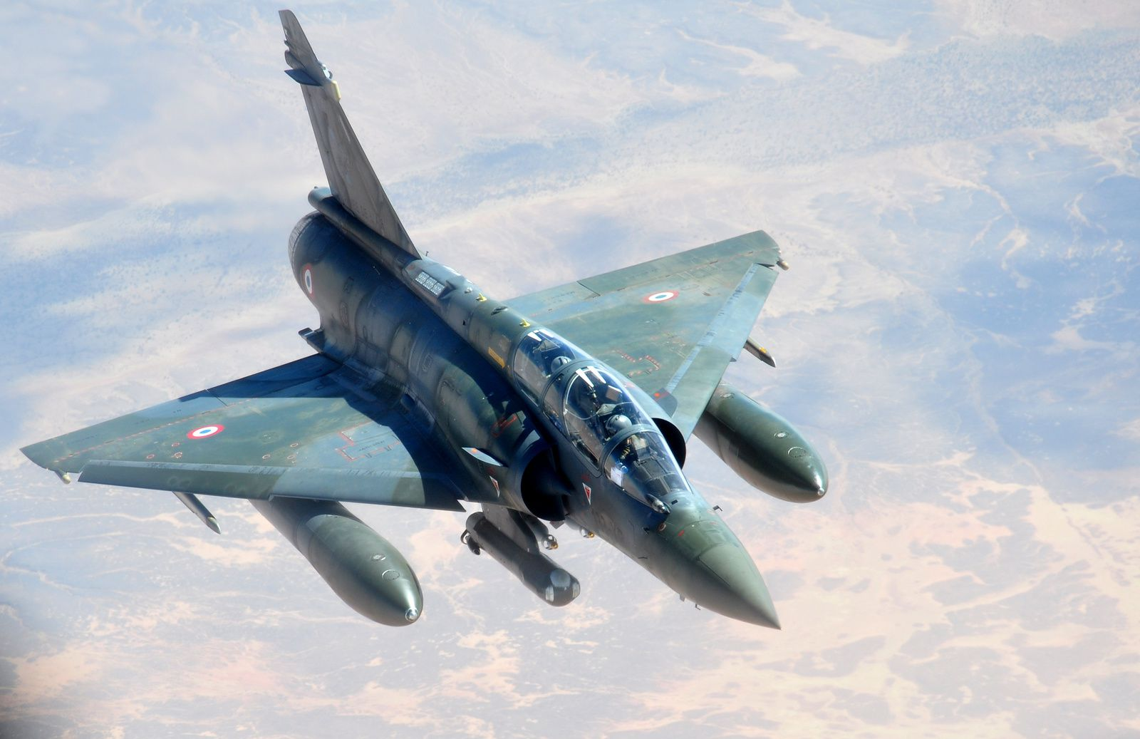 Photo : © US Air Force - Un Mirage 2000D lors d'un ravitaillement en vol au-dessus du Sahel.