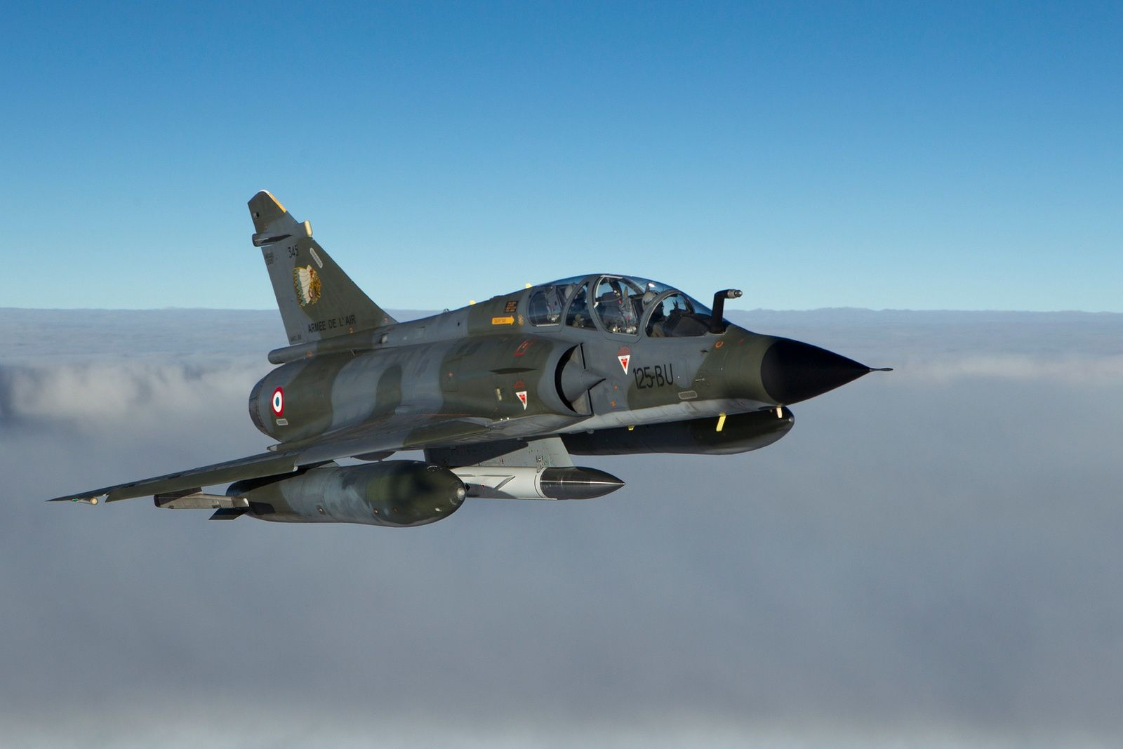 Photo : © Armée de l'Air - Mirage 2000N, armé du missile ASMP-A/