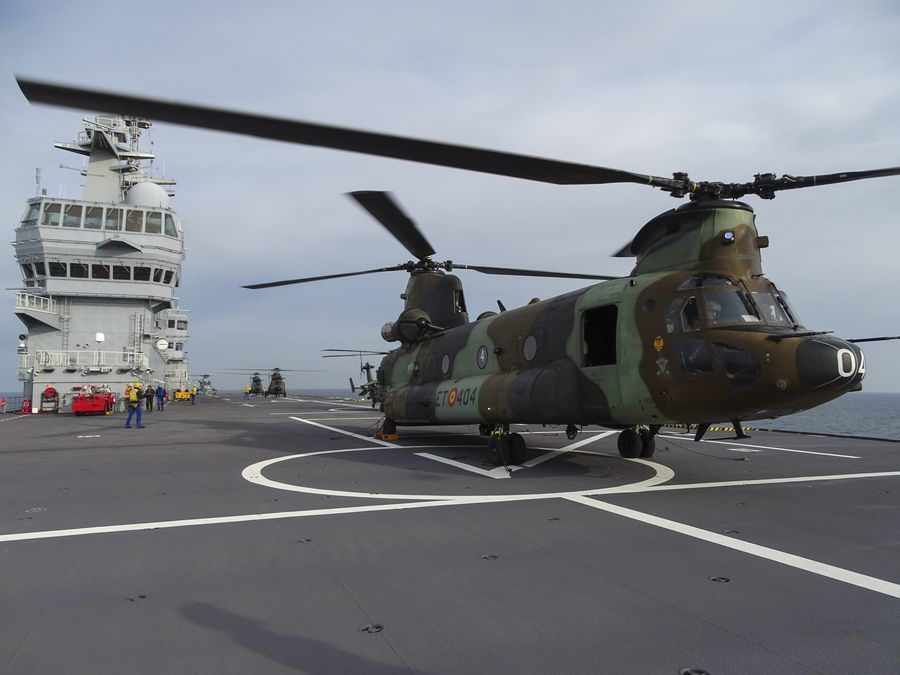 © Marine Nationale - CH-47D Chinook des Fuerzas Aeromóviles del Ejército de Tierra.