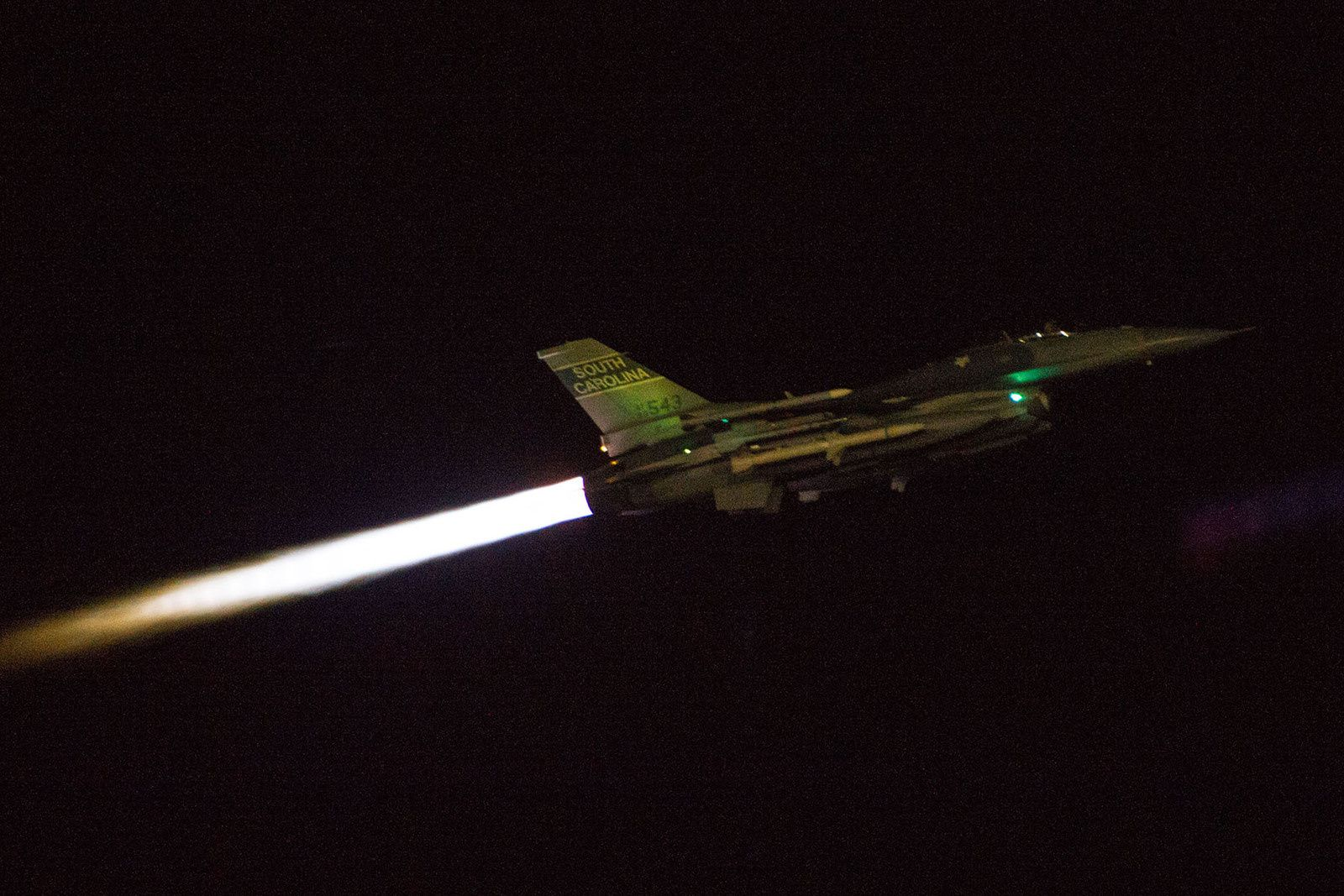 Deux F-16C de l'Air National Guard se percutent en vol lors d'un vol de nuit