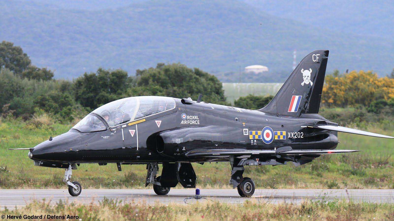 Les britanniques ont amené des Hawk T.1, dont celui-ci, issu du 100th Squadron de Leeming.
