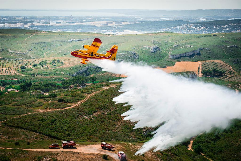Les Canadair CL-415 de la Sécurité Civile reprennent petit à petit les airs