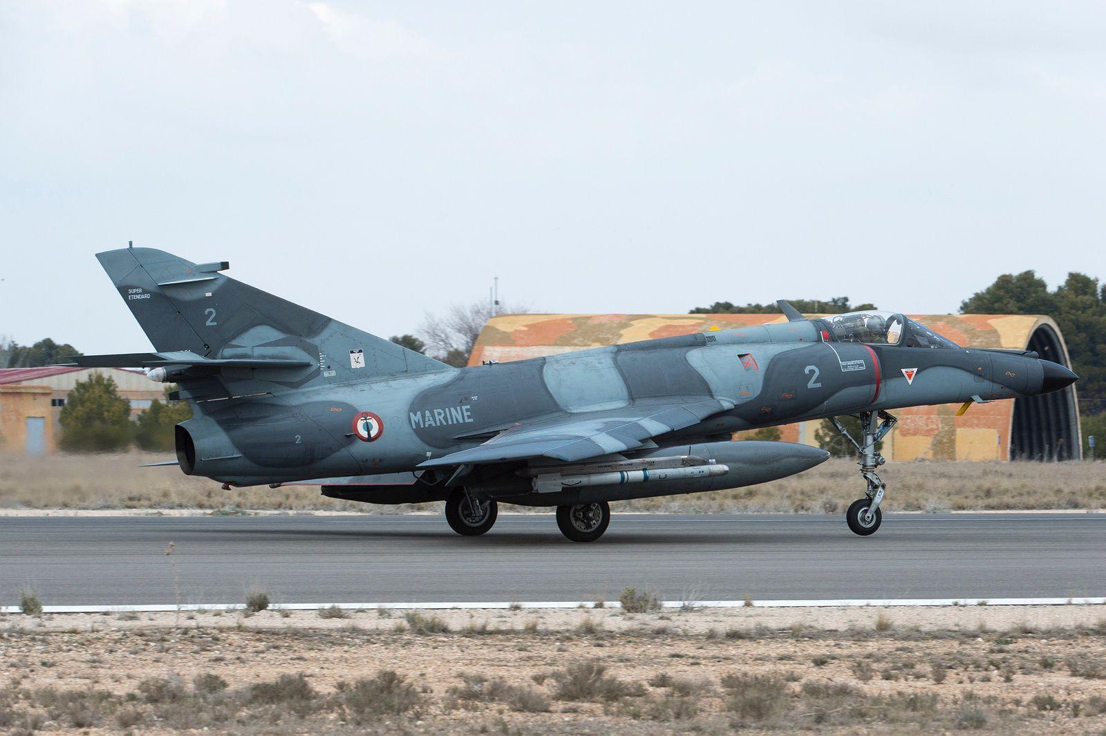 © Armée de l'Air - Le SEM a aussi laissé les ponts d'envol pour goûter aux terrains terrestres. Ici à Albacète, pour un Tactical Leadership Program (TLP).