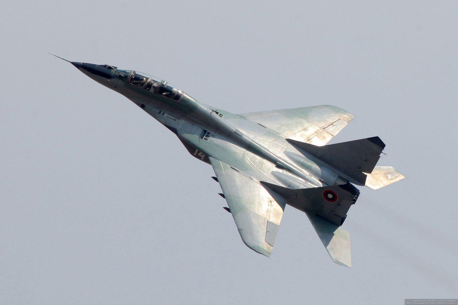 © Force Aérienne Bulgare - Démonstration aérienne pour ce MIG-29 biplace.