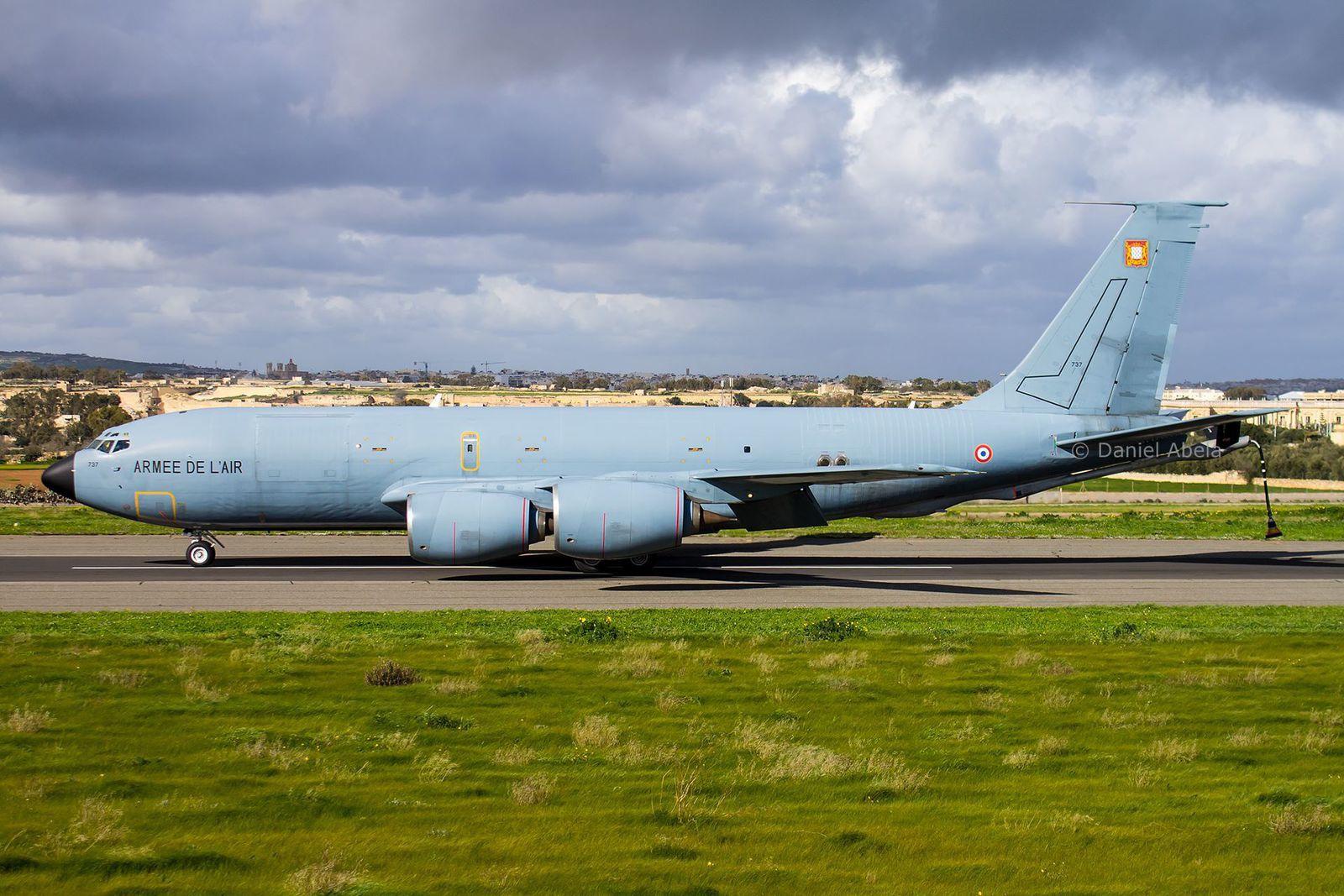 © Daniel Abela - Le C-135FR en rade à Malte, après une mission de ravitaillement en vol au profit de Rafale.