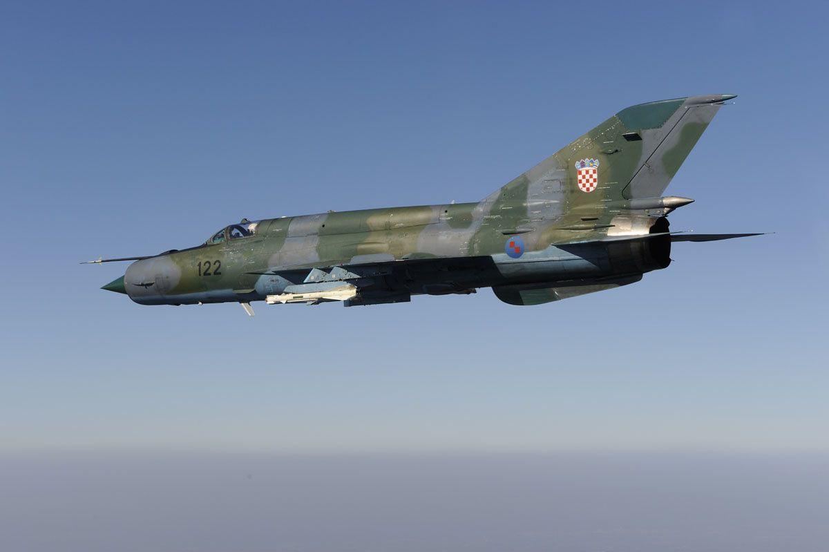 © Force aérienne croate - Un MIG-21 «Fishbed» de la Force Aérienne Croate lors d'une mission d'entraînement.