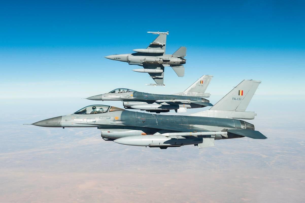 © 1st «Stingers» Squadron - Trois F-16A belges lors d'un détachement en Afghanistan.