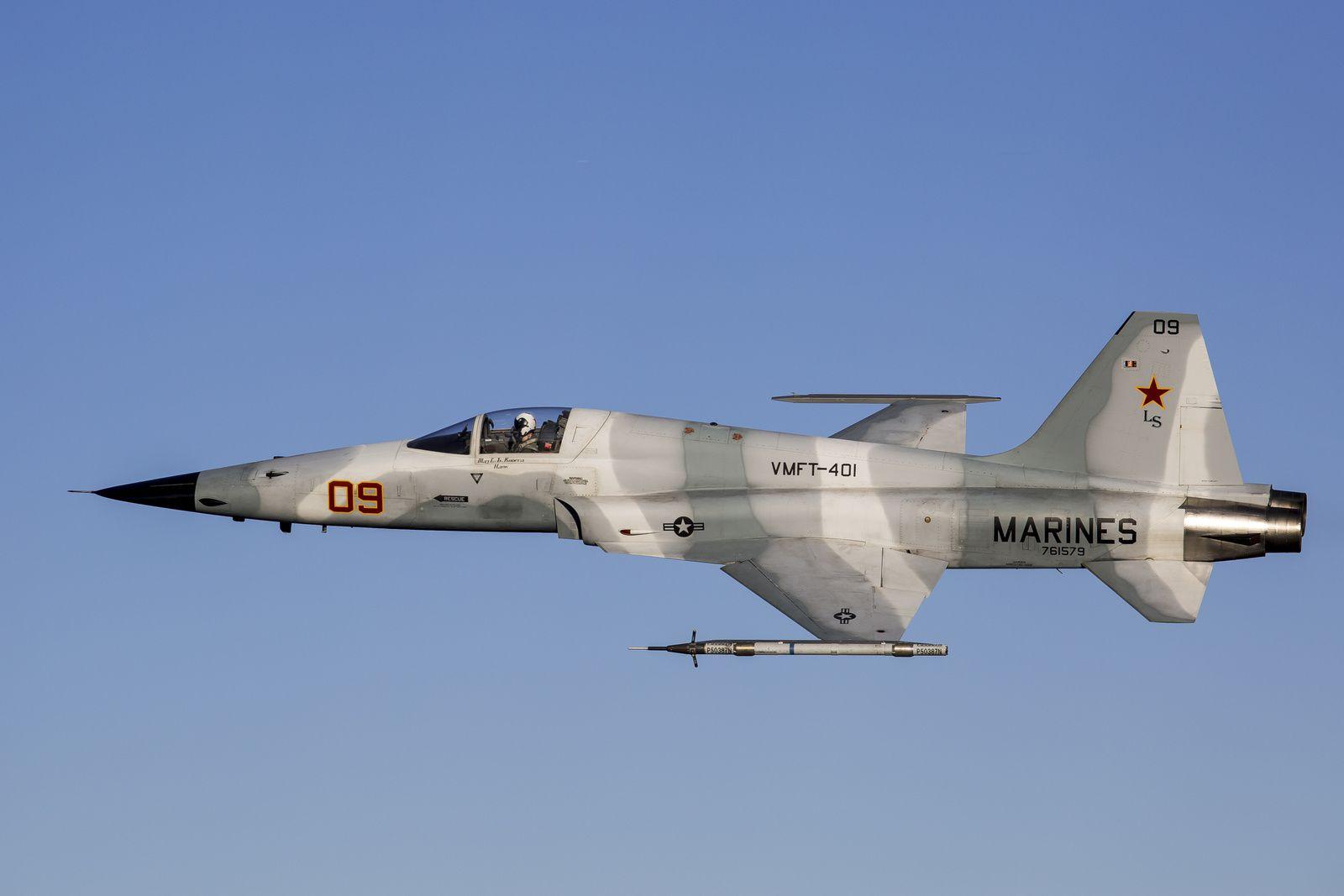 © USMC - Un F-5N Tiger II Aggressor du VMFT-401 «Snipers» de l'US Marine Corps Reserve.