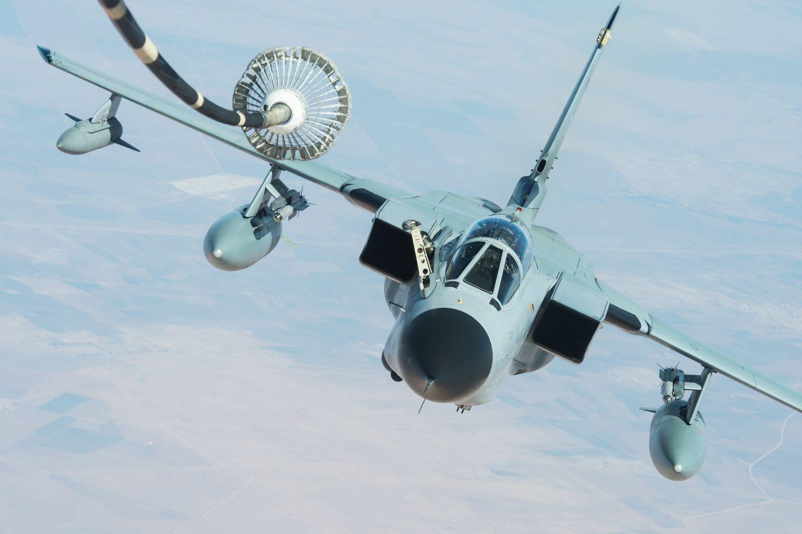 © USAF - Un Tornado ECR allemand, au ravitaillement lors d'une mission au-dessus de l'Irak.