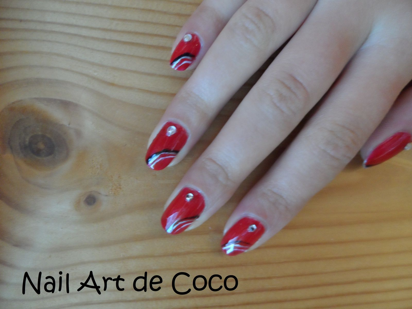 Nail Art Glamour Et Chic Femme Fatale Jusqu Aux Bouts Des Ongles