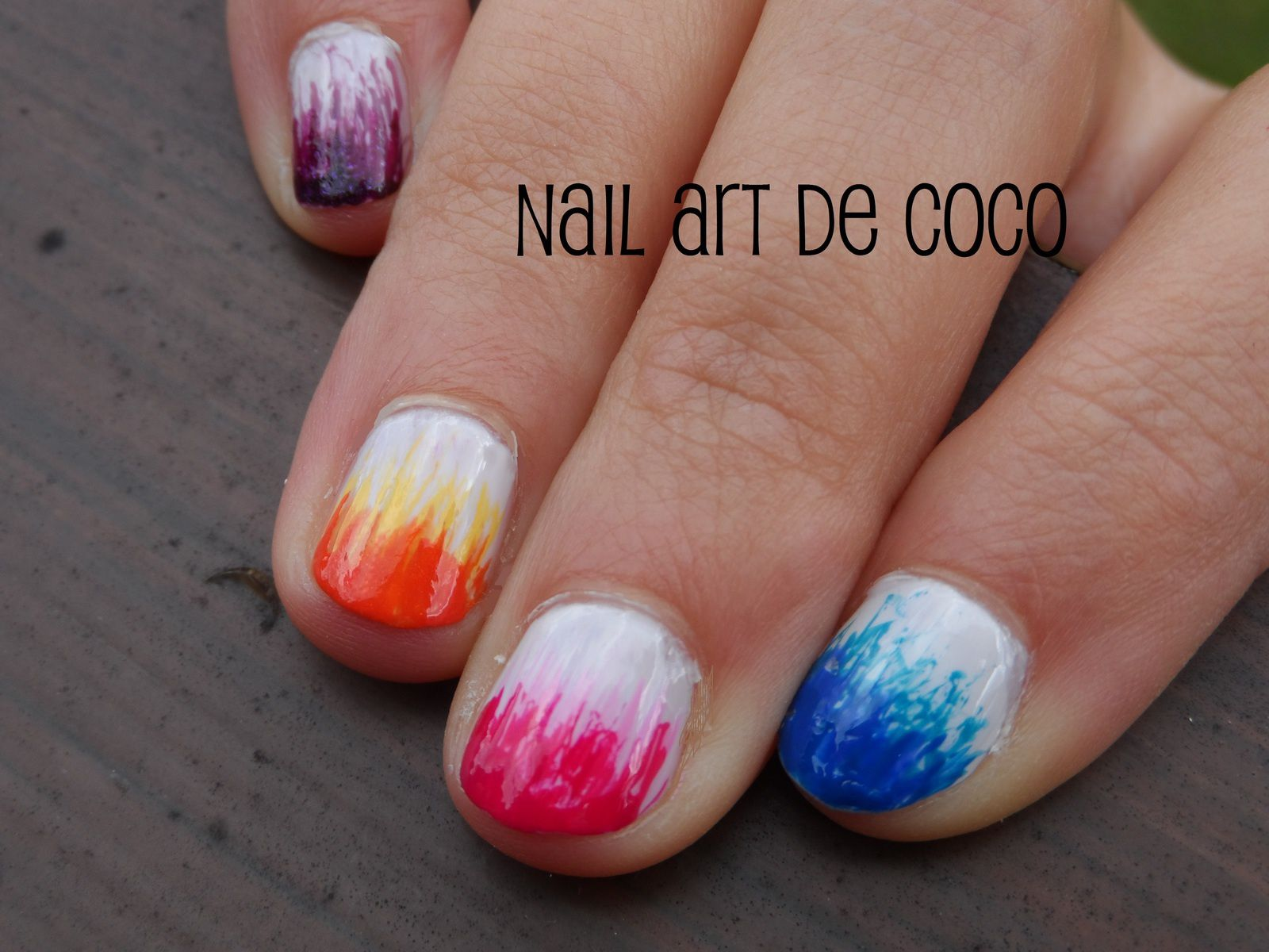 nail art d grad original et multicolor au liner pinceau fin effet balayage nail art de coco. Black Bedroom Furniture Sets. Home Design Ideas