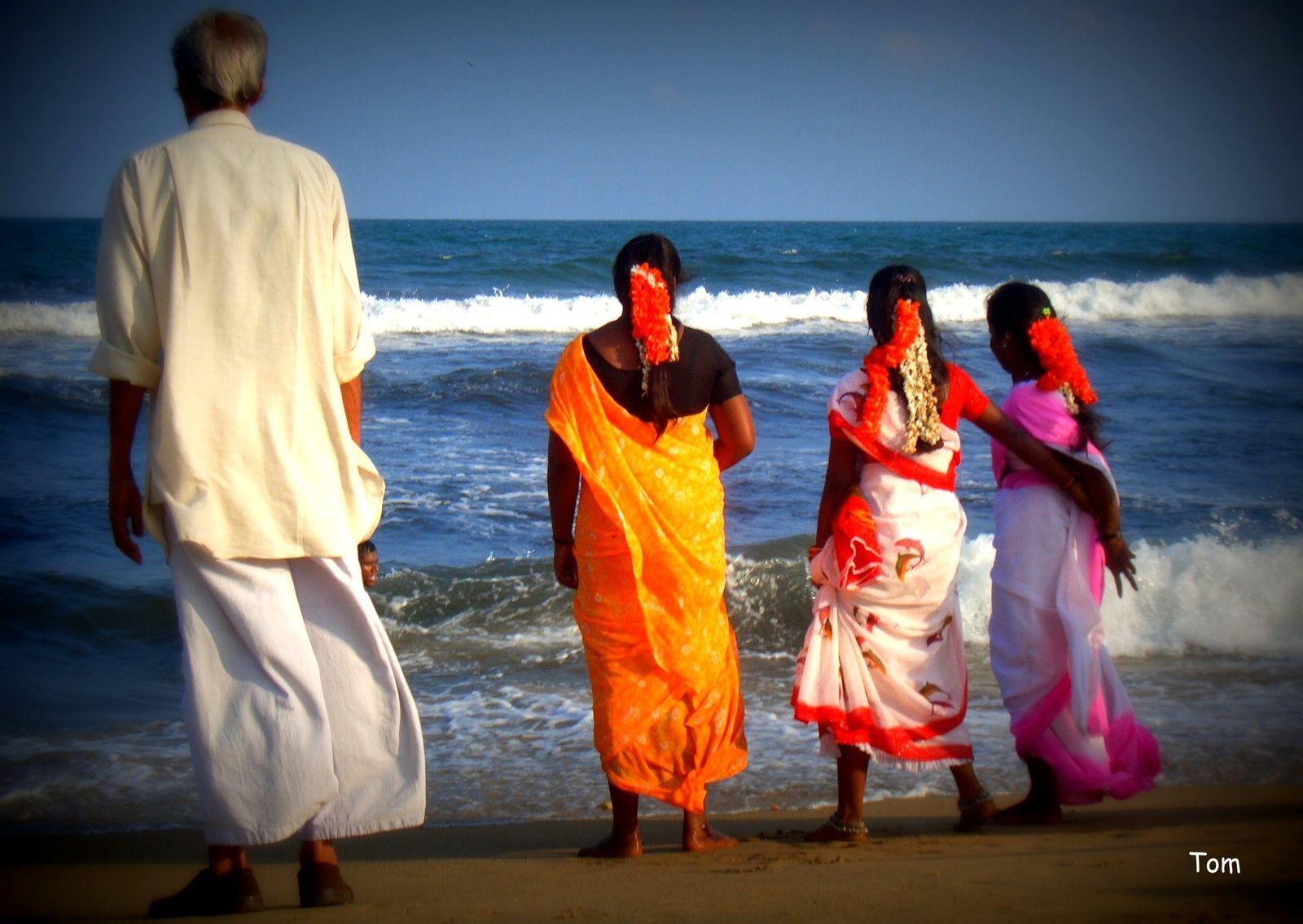 Offrandes après le Tsunami (Madras - Etat du Tamil Nadu)