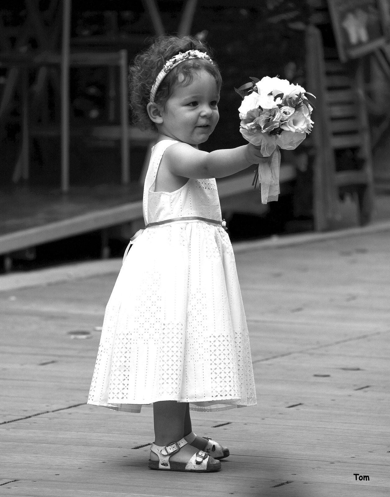 """""""l' enfant et le bouquet"""" - Un geste plein d' amour"""