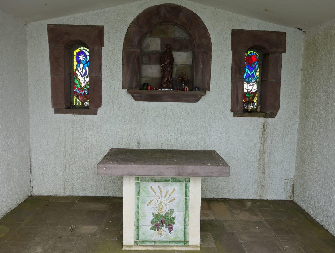 Cette chapelle fut abîmée par la suite, et, en 1985 des paroissiens et le curé Carabal reconstruisirent cette chapelle qui sera inaugurée en l'état actuel le 21 Octobre 1985.