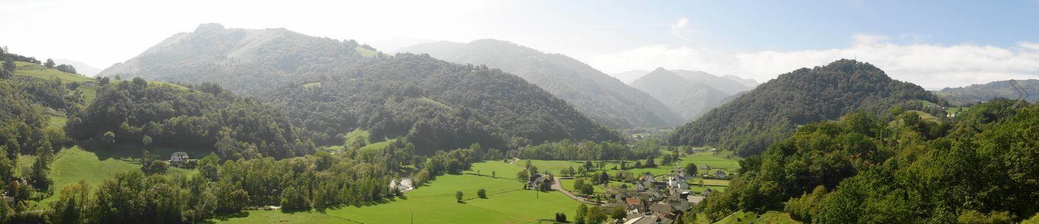 Chapeau de gendarme depuis Lichans Sunhar ( Pyrénées-Atlantiques 64 ) AA Rando