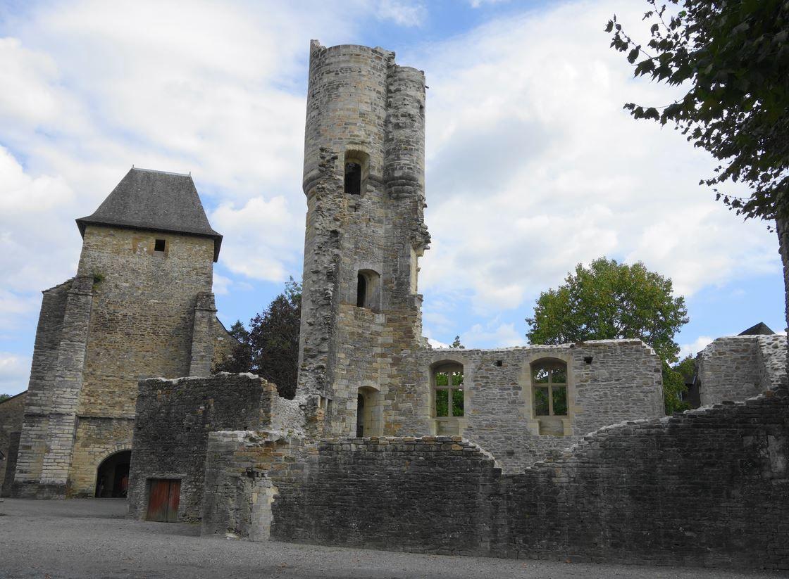 Abbaye Lucq de Béarn ( Pyrénées-Atlantiques 64 ) AA