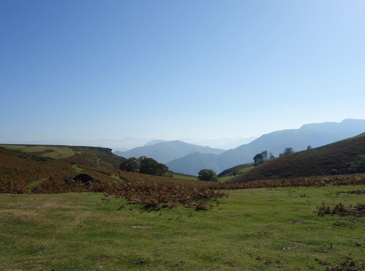 Artzamendi depuis Itxassou ( Pyrénées-Atlantiques 64 ) AA
