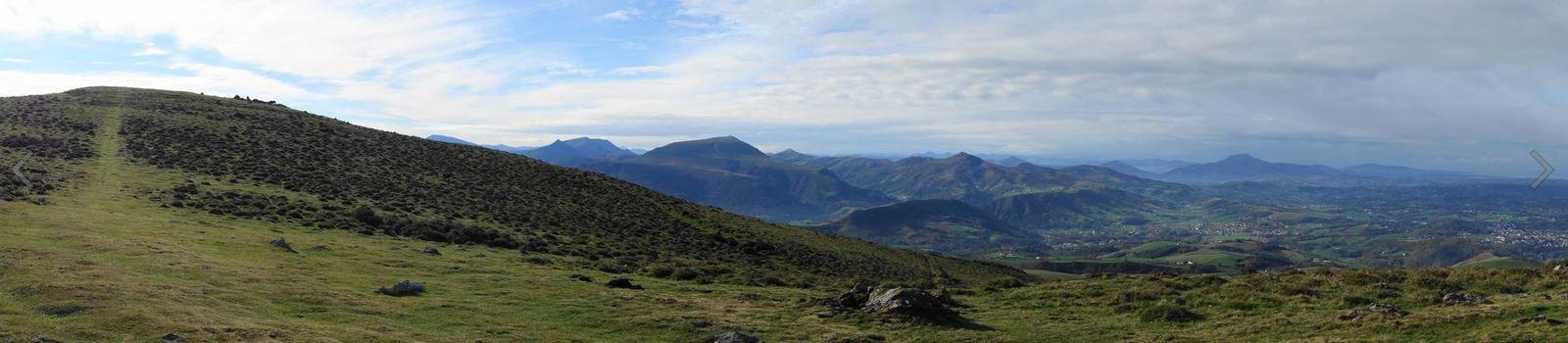 Urshuya ou Urshuia depuis Hasparren / Zelhaya ( Pyrénées-Atlantiques 64 ) AA Rando