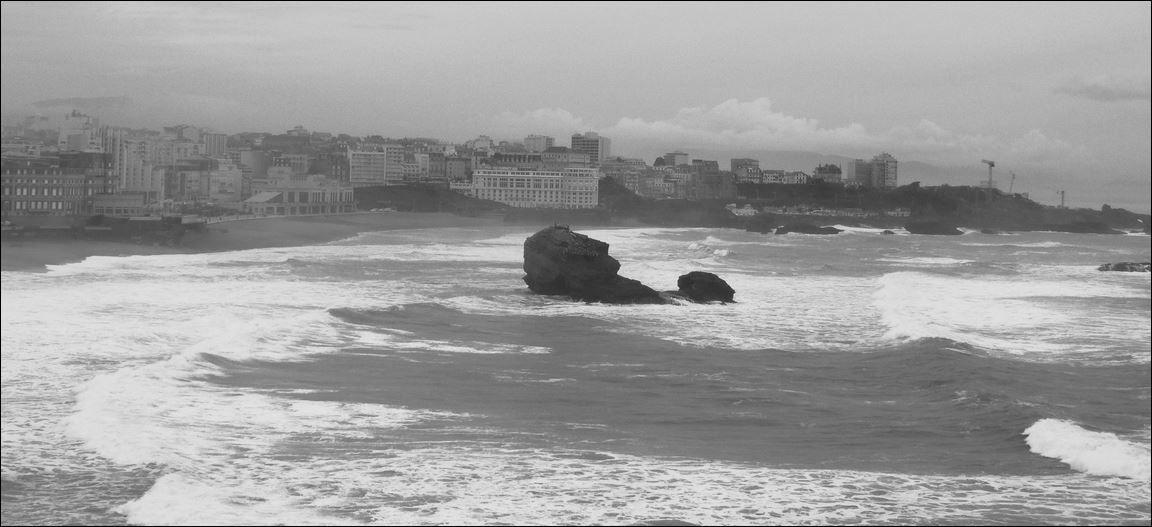 Phare de Biarritz , Biarritz ( Pyrénées-Atlantiques 64 ) AA