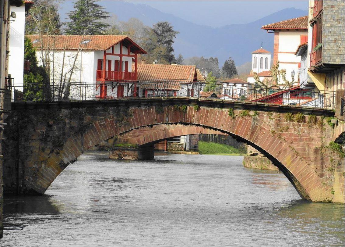 Pont notre dame ou sainte marie de saint jean pied de port pyr n es atlantiques 64 a onvqf - Les pyrenees saint jean pied de port ...