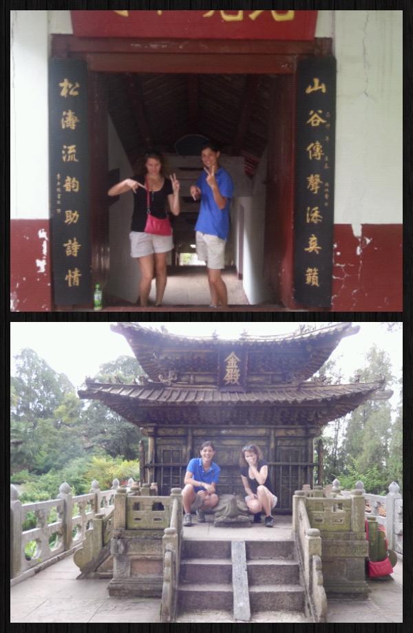 """on s' est vraiment pris pour des chinoises, pas une photo """"normale"""" de la journée!! Chinese attitude  quand tunous tiens..."""