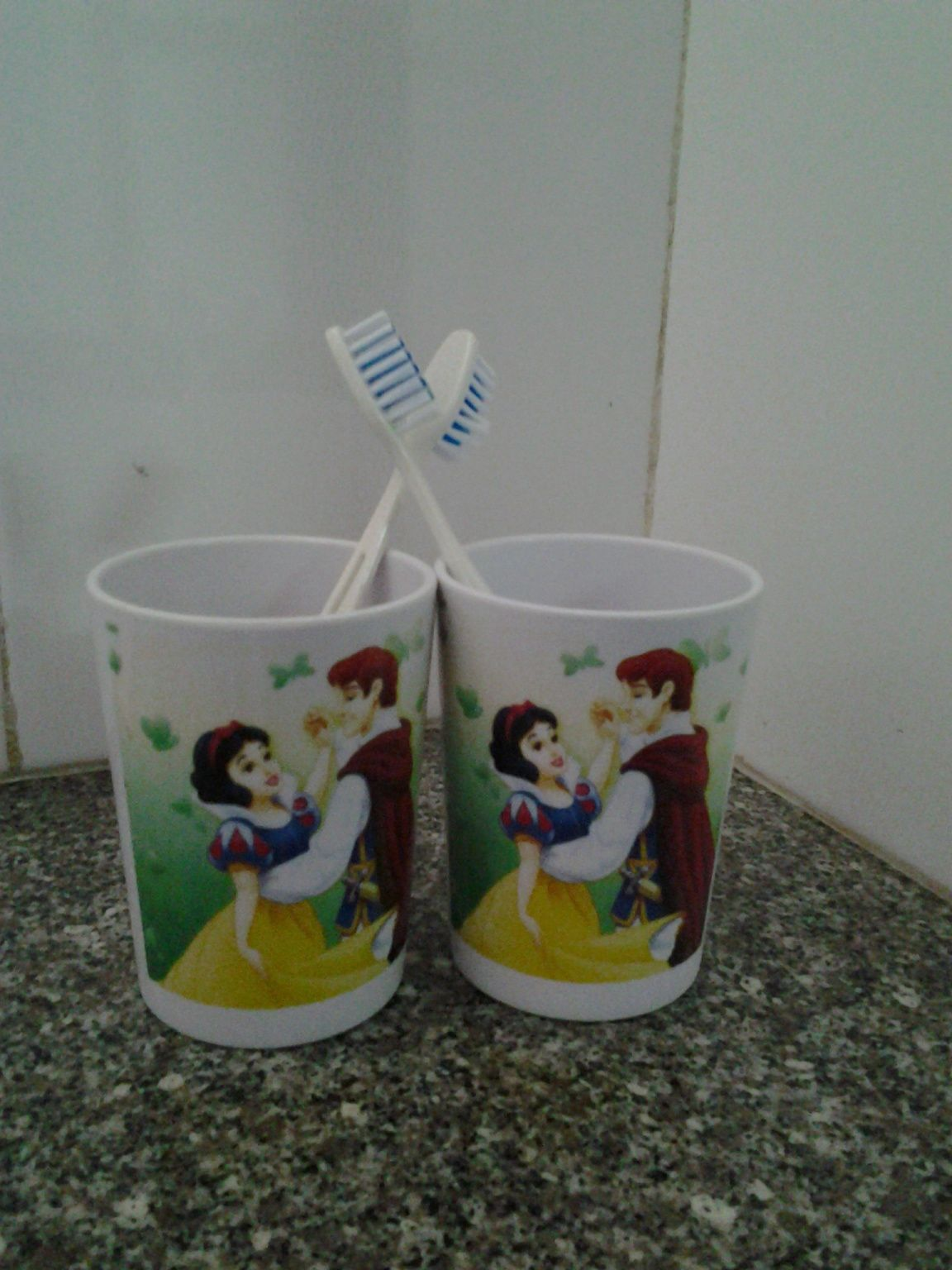 se brosser les dents avec Blanche-Neige