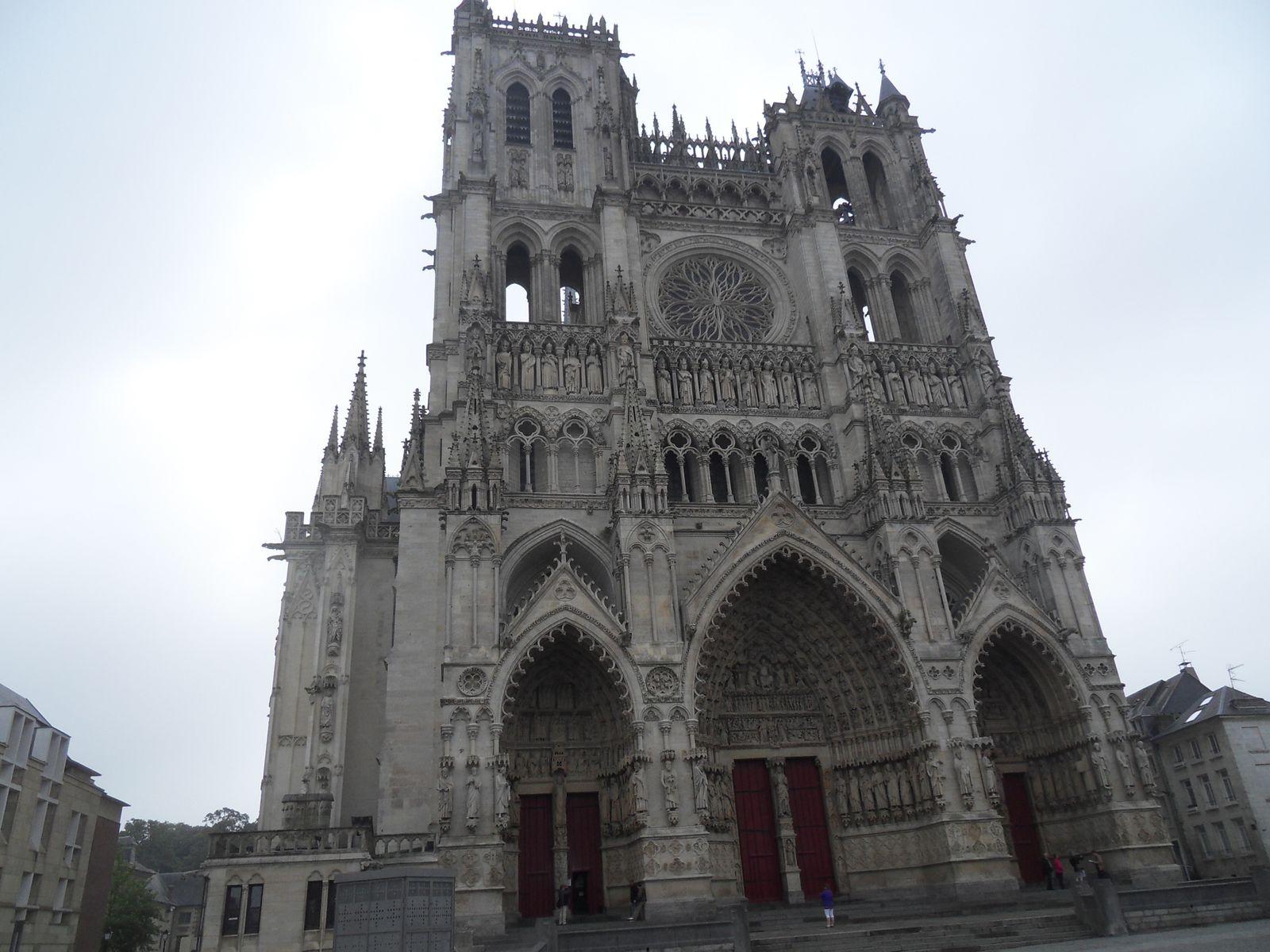 AMIENS , sa cathédrale , ses hortillons ....