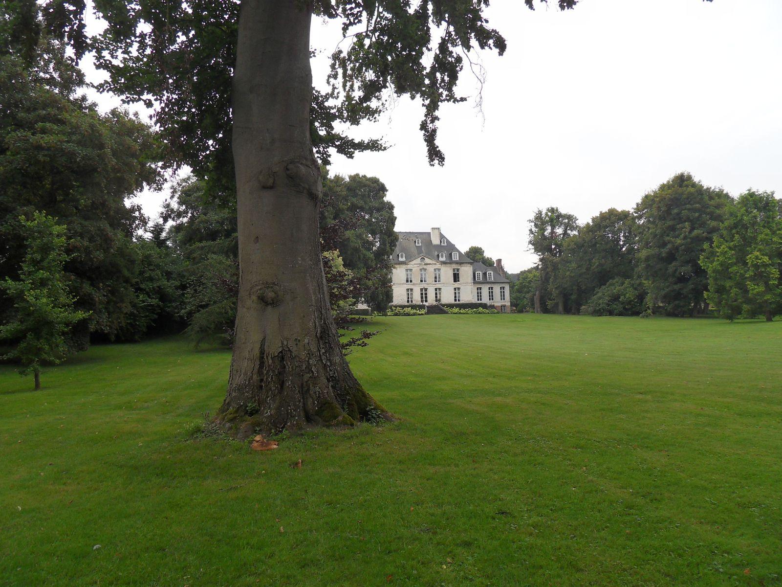 le parc et le château de Creuse ou nous avons dormi ....
