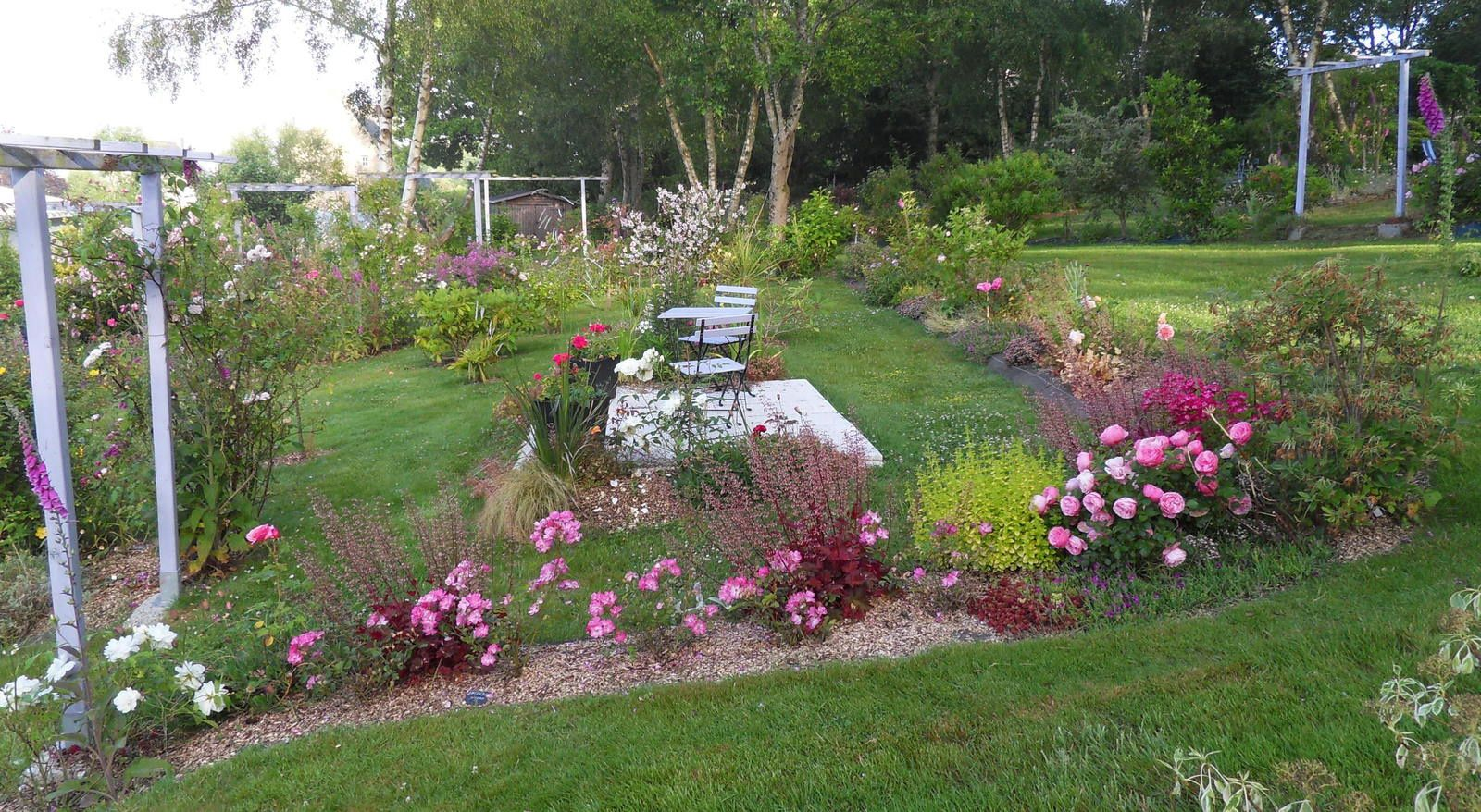 Le jardin s 39 ouvre pour jardin art et soin en juin 2015 for Calendrier jardin juin 2015