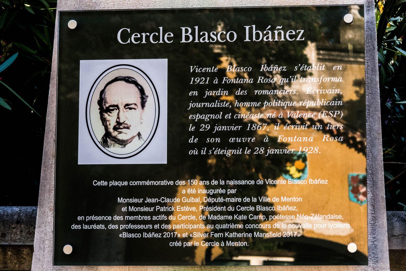 Dévoilement d'une plaque commémorative des 150 ans de Vicente Blasco Ibañez à Fontana Rosa