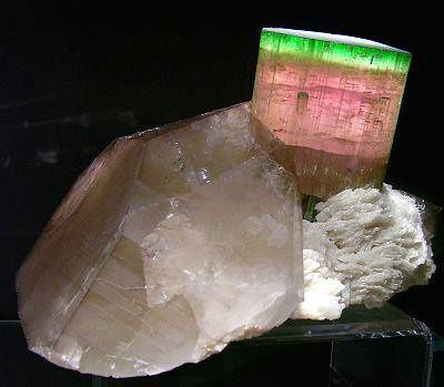 "Tourmaline ""melon d'eau"" et Quartz (Photo: Christophe and Brice Gobin)"