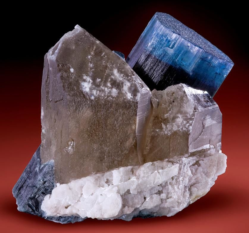 "Tourmaline Bleue ""Indigolite"" (Photo: John De Rosa)"