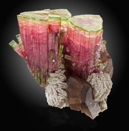 "Tourmaline ""melon d'eau"" or ""Elbaïte"" de Paprok Mine, Kamdesh District, Nuristan Province, Afghanistan (pièce de musée, photo: Heritage Auctions)"