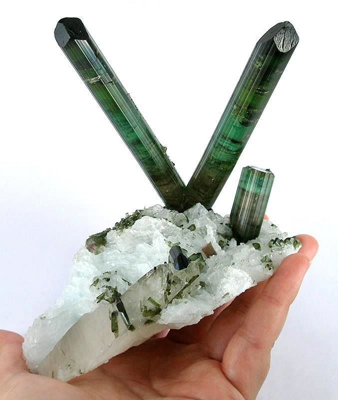 Tourmaline Verte (source: vlt-53c)