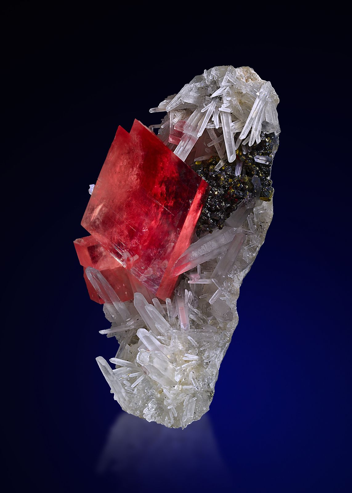 "Rhodochrosite et Quartz de Sweet Home Mine, Mount Bross, Alma District, Park Co., Colorado, USA (pièce de ""Saphiraminerals"")"