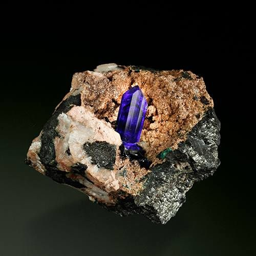 Azurite from Tsumeb (specimen and photo by Martin Gruell)