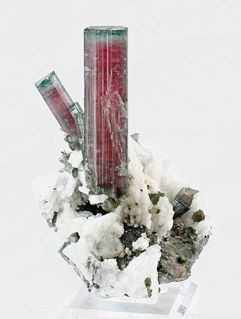 "Tourmaline ""melon d'eau"" ou ""watermelon"" (specimen and photo by Martin Gruell now in private collection)"