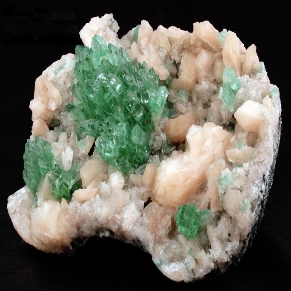 Green Apophyllite on Stilbite from India (pièce de Gargoti Mineral India)